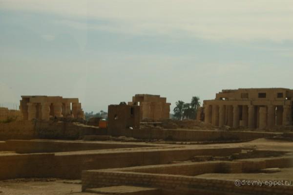 Храм Рамессеум, Египет фото
