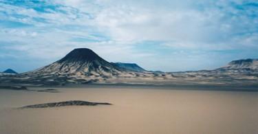 Черная пустыня Египта