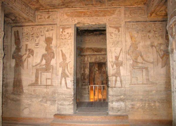 храм рамзеса II нефертари