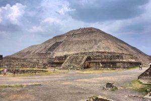 пирамида луны в теотиукане