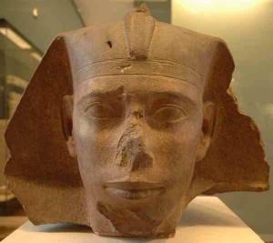 Фараон Джет, Музей Лувра, Франция