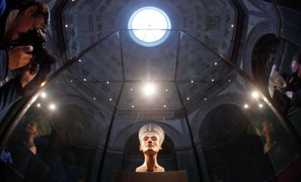 Бюст Нефертити, Новый музей Берлина