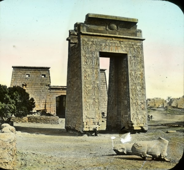 Храм Дебод Древнего Египта фото