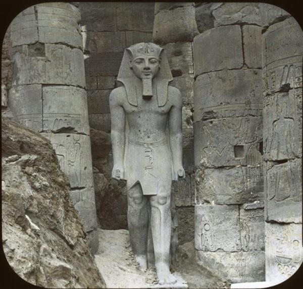 Статуя Рамзеса II. Луксор. Фото.