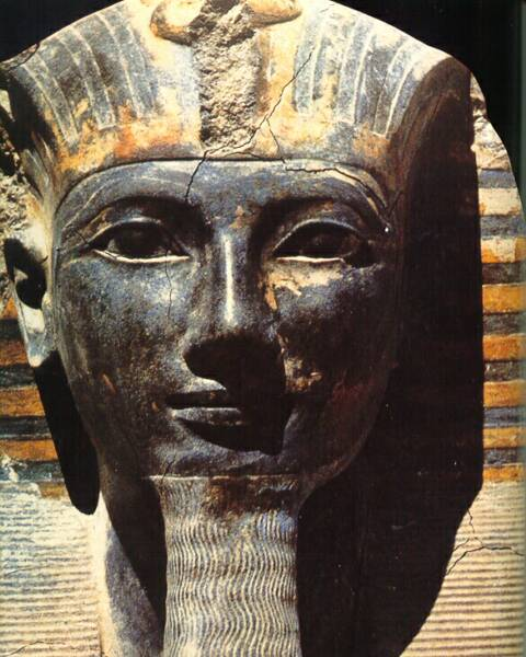 thutmose iii Thutmose iii was the son of thutmose ii and was the sixth pharaoh of the eighteenth dynasty he spent a lot of time training in the army and after the death of his aunt (whom he was coregent with), he created the largest empire in egypt and conquered from niya in north syria to the fourth.