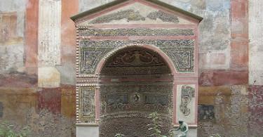 Фонтан города Помпеи