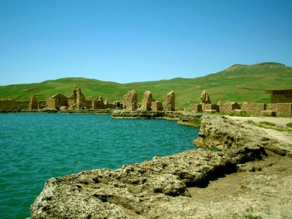 фото Руины Тахт Солеймане, Иран