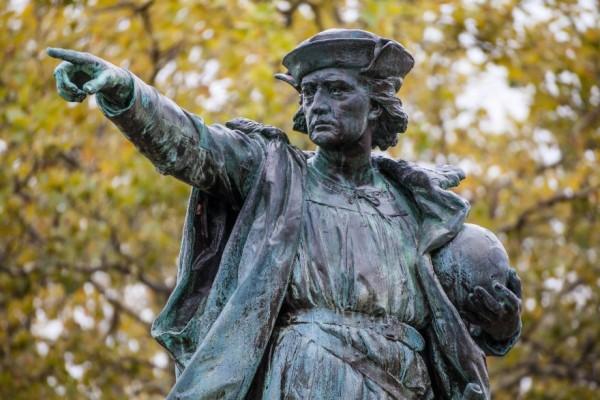 Христофор Колумб: статуя