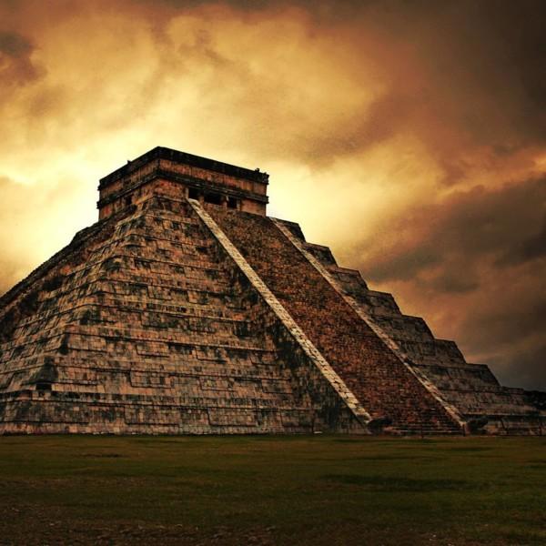 пирамида майя фото