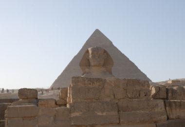 вход в пирамиду хеопса